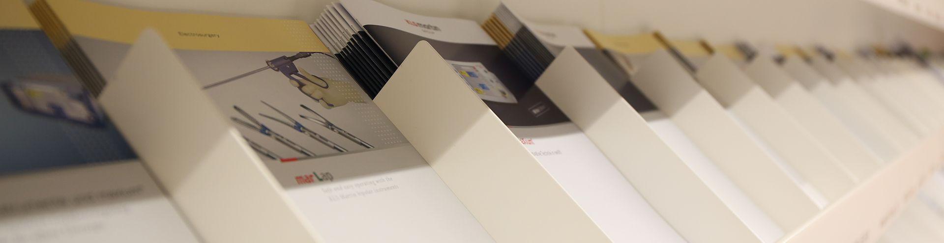 Broschüren, Kataloge und Flyer