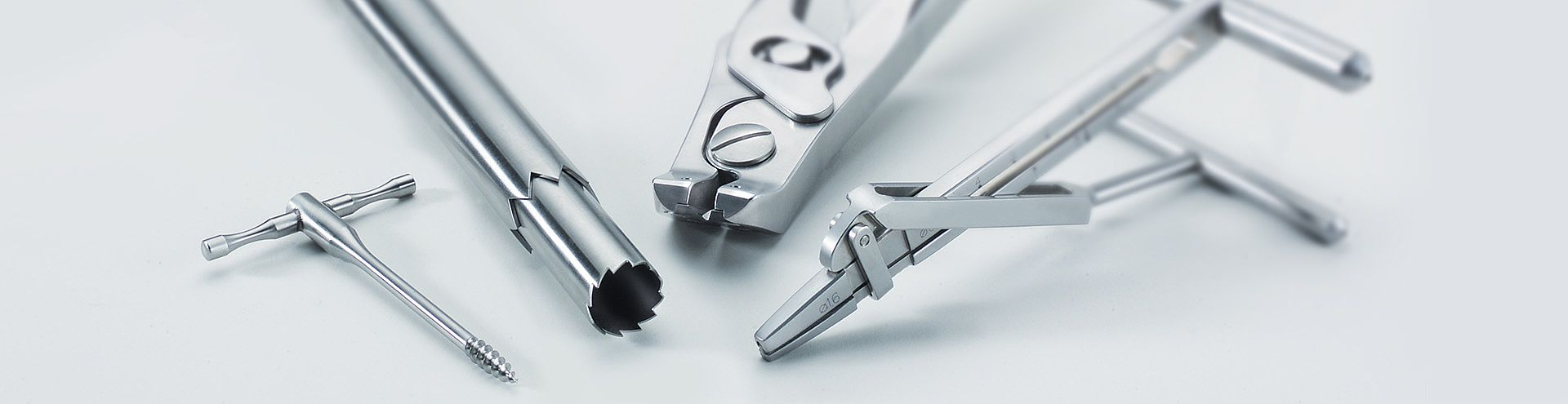 Surgical instruments for traumatology