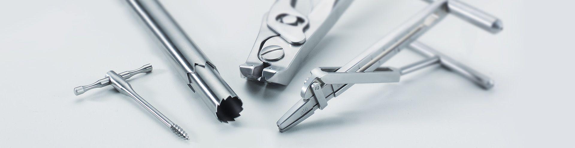 Instrumentos quirúrgicos  para la cirugía de la mano